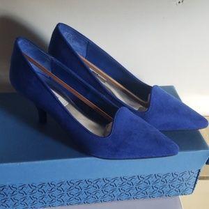 Simply Vera by Vera Wang blue suede low heels.